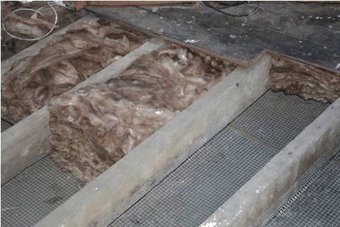 How to insulate between floor joists in bat carpet for Floor joist insulation